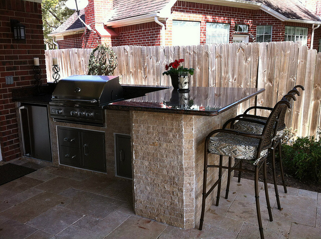 garden, outdoor living space, outdoor kitchens