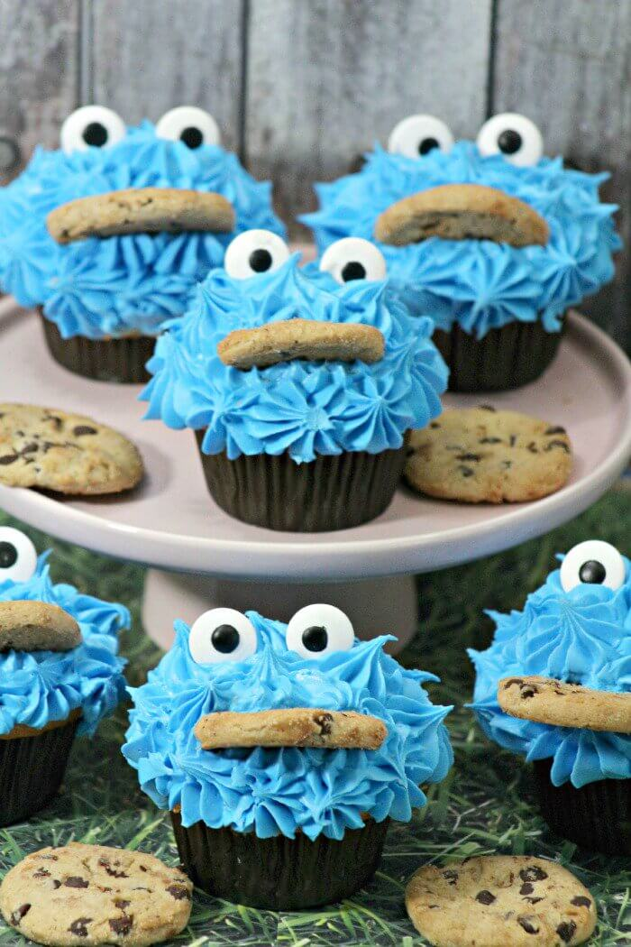 birthday party ideas, Sesame Stree party ideas, Cookie Monster Cupcakes