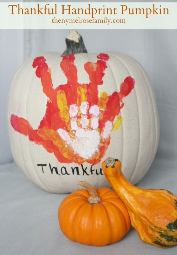 craft ideas for a kid's Thanksgiving table